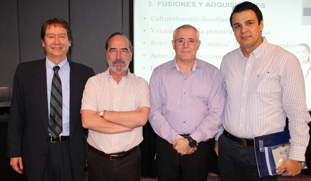 Fernando Amador presentó su último libro 'Médico Empresario'