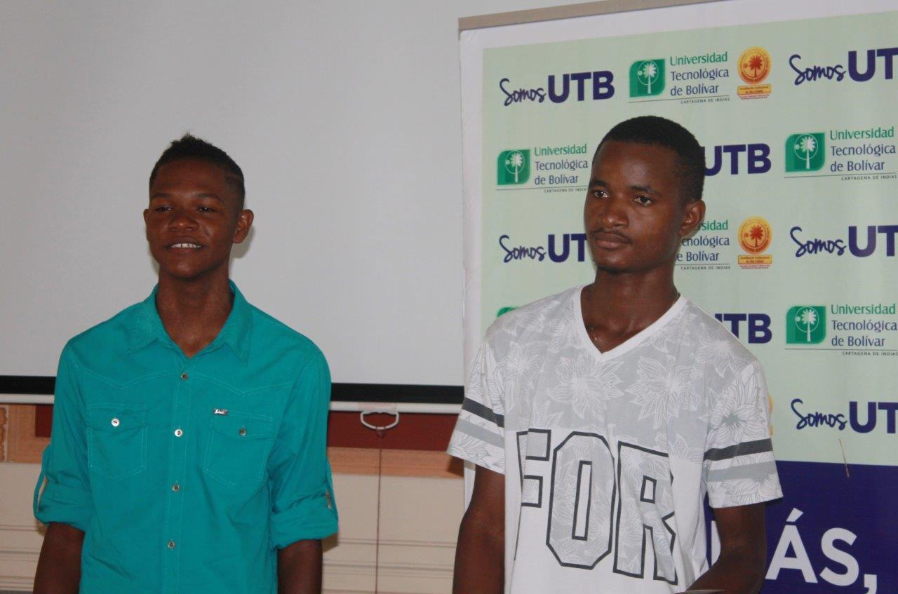 Dos jóvenes de Tierra Baja estudiarán becados