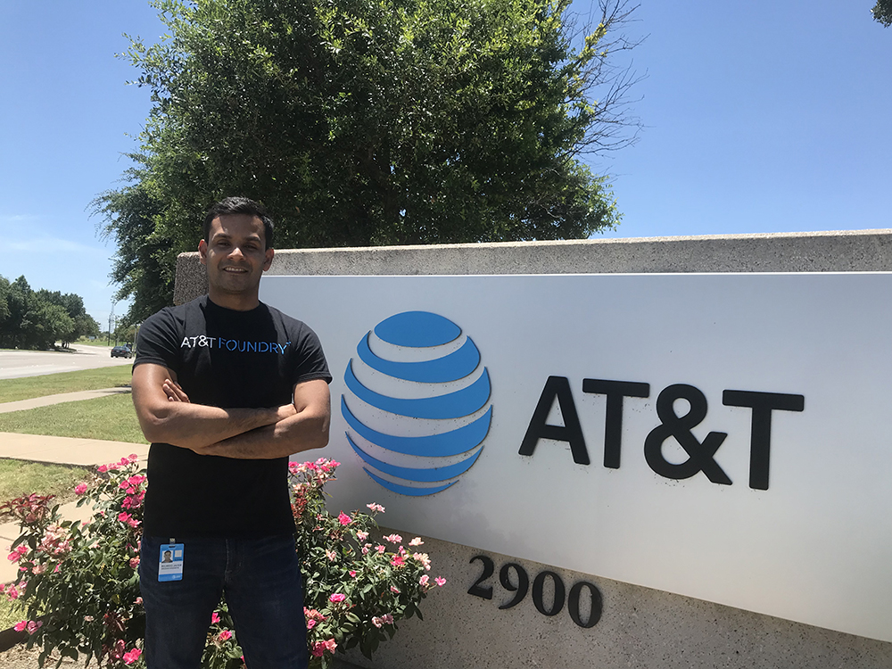 Profesor de Ingeniería Electrónica realiza pasantía en AT&T - UTB