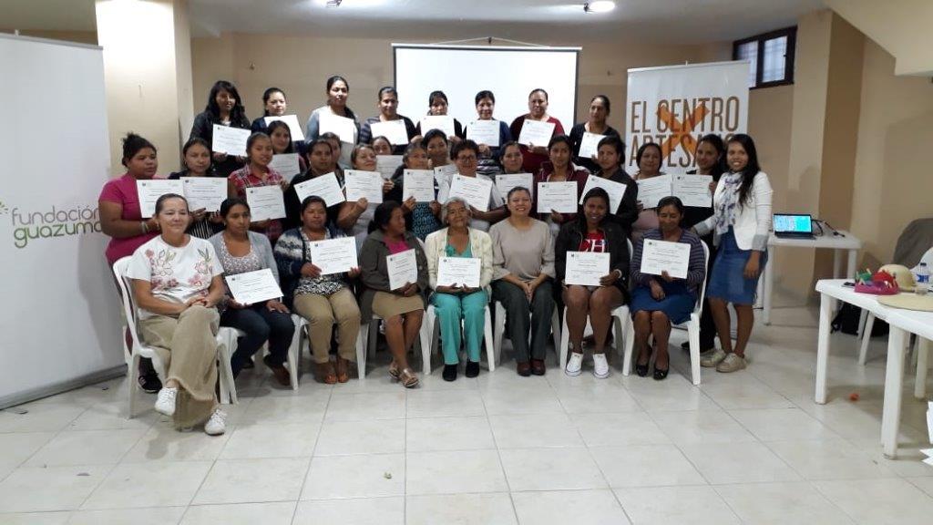 CEP y la Fundación Guazuma entrenan artesanas de Manaure, en la Guajira
