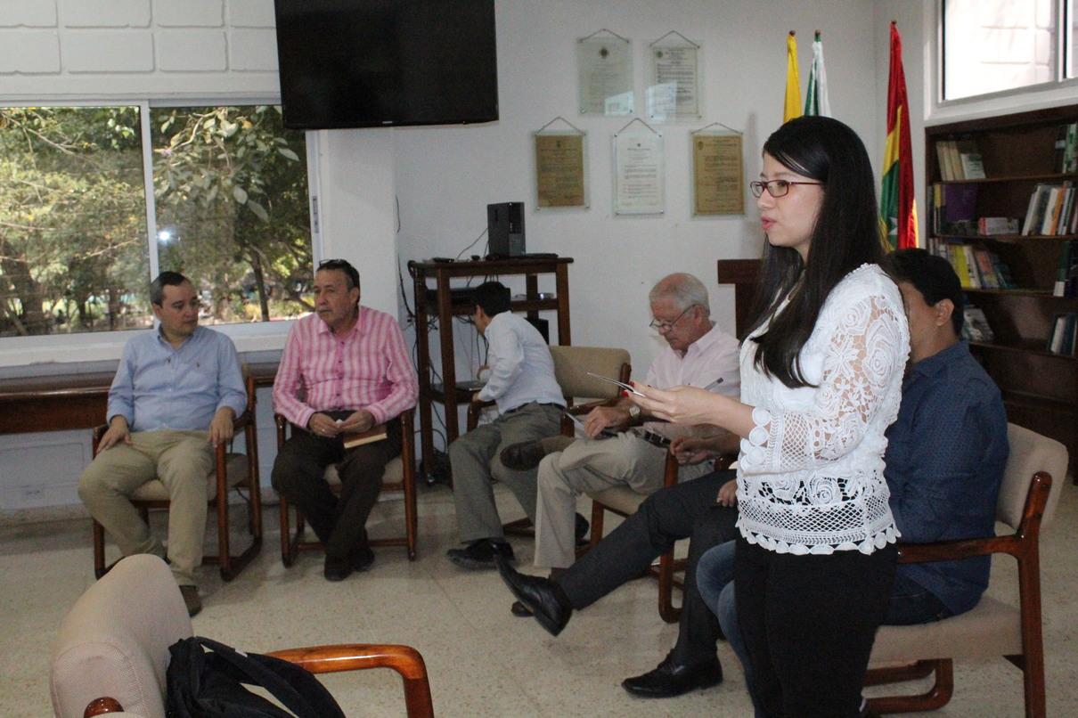 Vicerrector Académico recibe a nuevos docentes