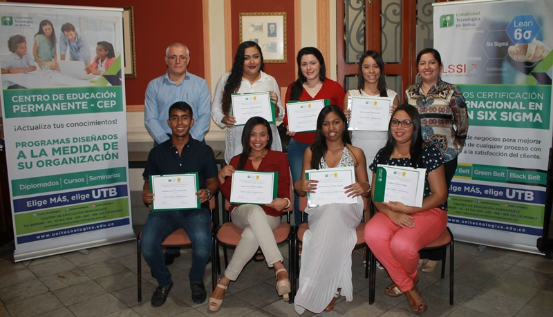 El CEP gradua a estudiantes en diplomados y cursos
