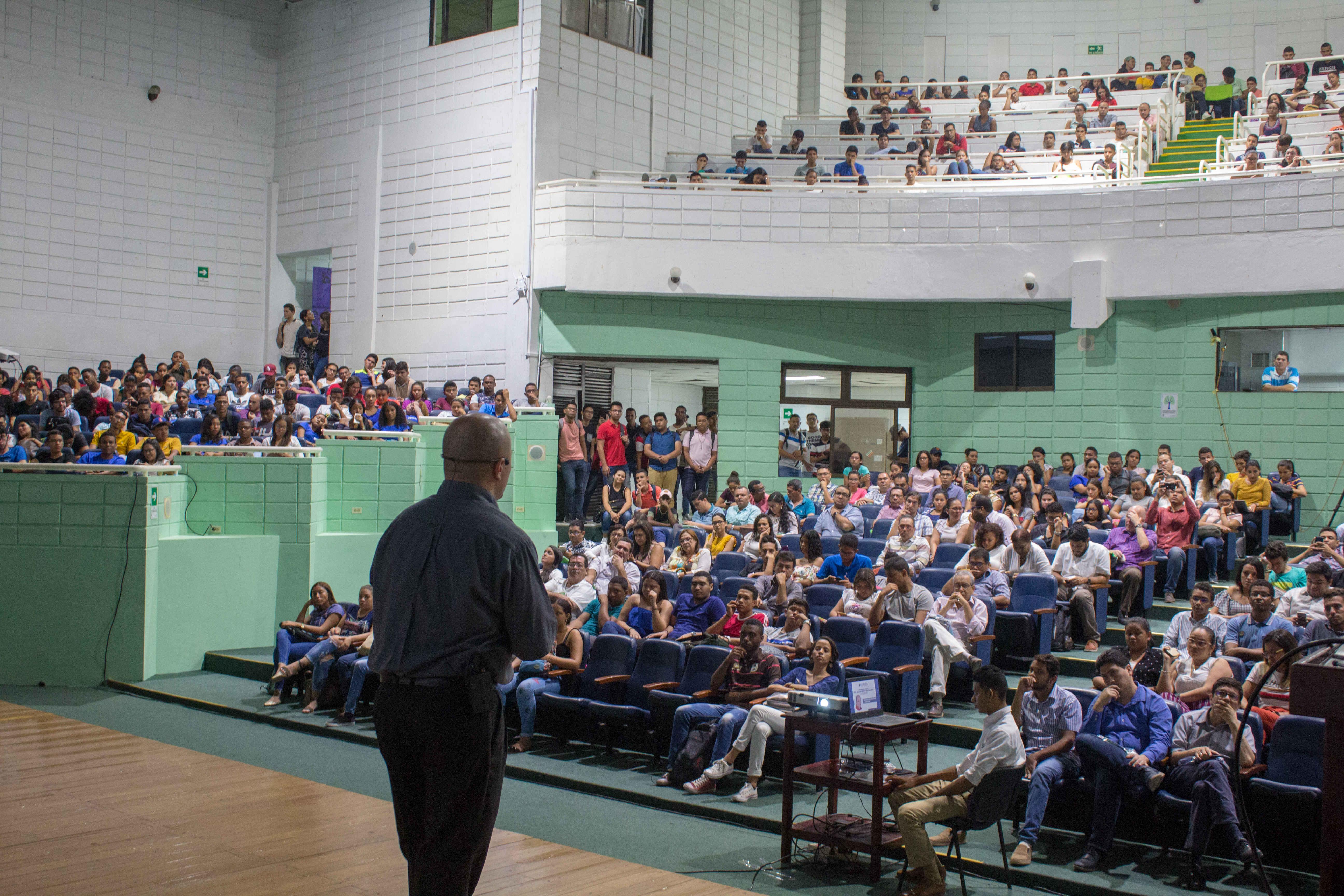 La UTB celebra el Día del Profesor