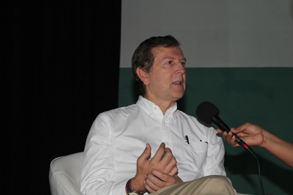 """""""El profesor ideal es el que acompaña a sus alumnos en la aventura del conocimiento"""": Rector de EAFIT"""