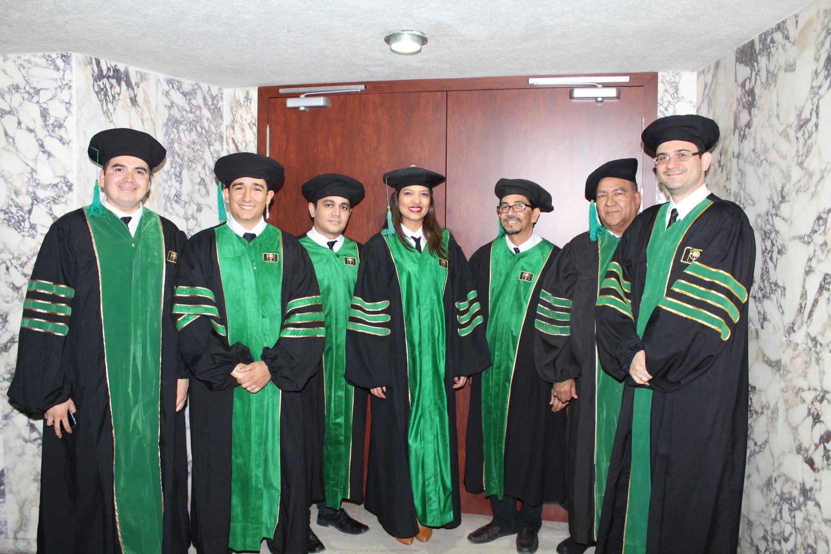 550 nuevos profesionales, especialistas y magísteres graduó la UTB
