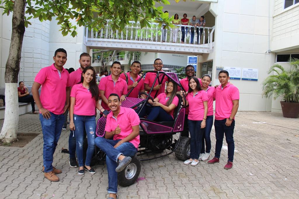 Estudiantes UTB construyen dos vehículos