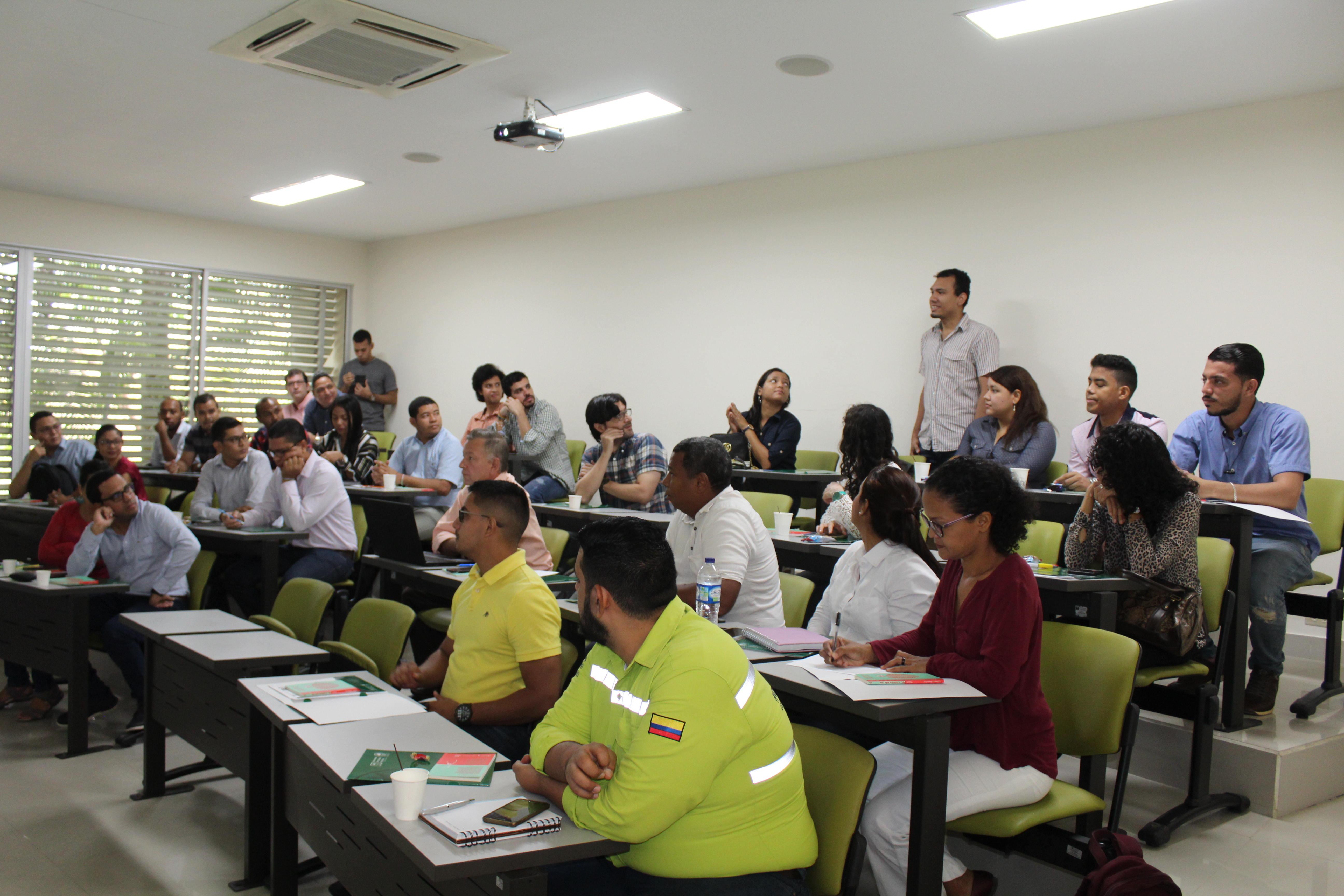 Con un mensaje hacia nuevos aprendizajes Rector de la UTB recibió a nuevos docentes
