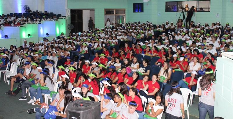 Masiva asistencia en exitosa Feria de Facultades